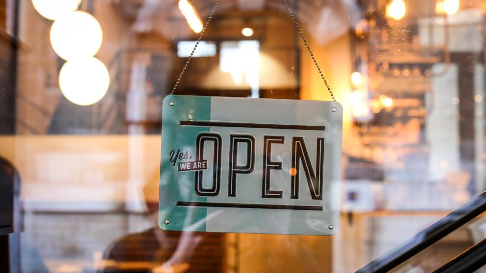 ¿Qué licencias necesito para abrir bares y terrazas?